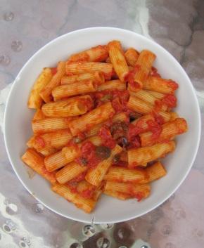 Rigatoni alla Puttanesca
